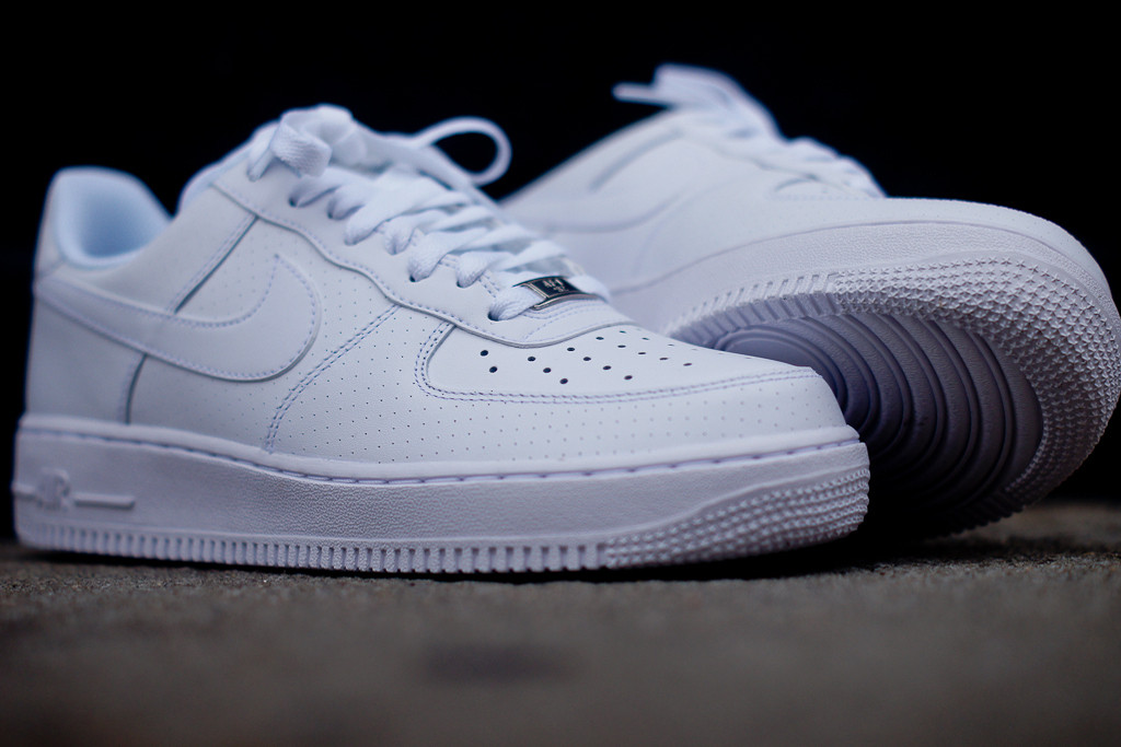 nike air forces low